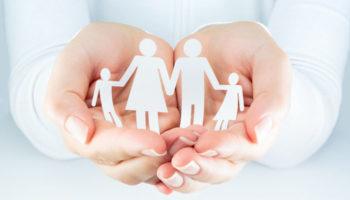 Некоторым людям с ВИЧ разрешат усыновлять детей