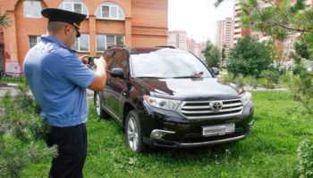 Штрафы за парковку на газонах ввели местным законом в Башкирии