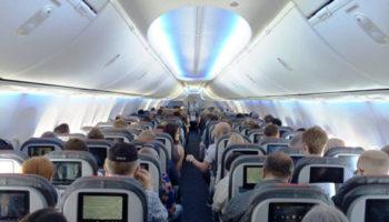 К авиадебоширам в самолетах будут применять более жесткие меры