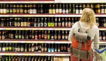 Продажу алкоголя в РФ хотят вывести в специализированные магазины