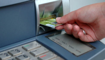 В России предлагают отменить банковский роуминг