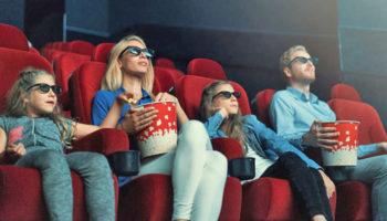 В РФ хотят снять с произведений искусства и кино почти все возрастные ограничения