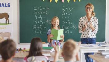 Базовый оклад учителей предлагают удвоить