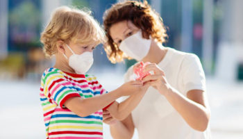 При карантине в школах родителям предлагают давать больничный на детей