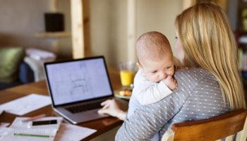 Пожилым и женщинам с маленькими детьми станет проще найти работу