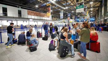 Россиян хотят заставить платить за эвакуацию из-за границы домой