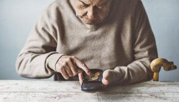 Работающих пенсионеров все же оставят без индексации